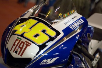 Rossi back on a Yamaha