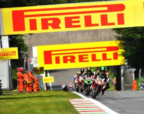 World Superbikes heads to Donington